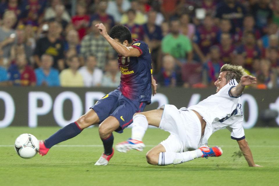 Pedro Rodriguez marca el gol del empate gracias a un excelente pase en profundidad de Mascherano